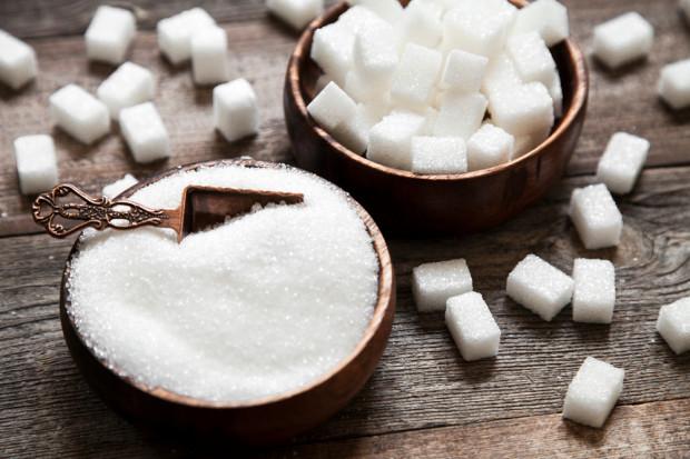 Wyciek kwasu w cukrowni w Zygmuntowie. Poparzonych dwóch pracowników