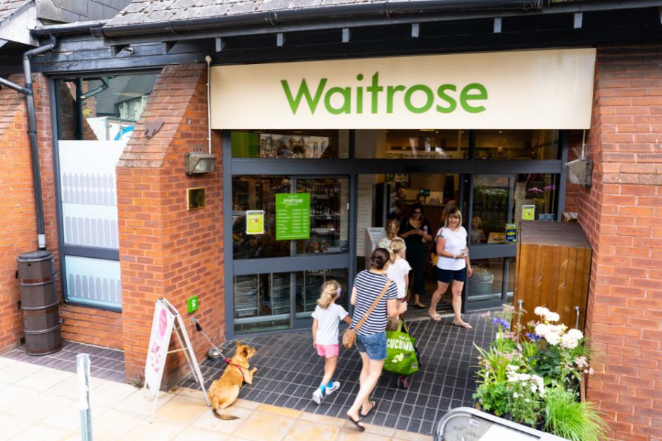 Waitrose zamknie nierentowne sklepy. Jeden kupi Tesco