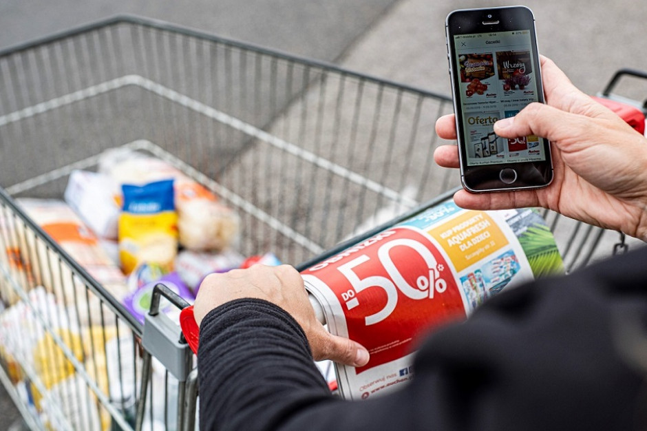 Polacy uważają, że na zakupach w promocji realnie oszczędzają 30-40 proc. (badanie)