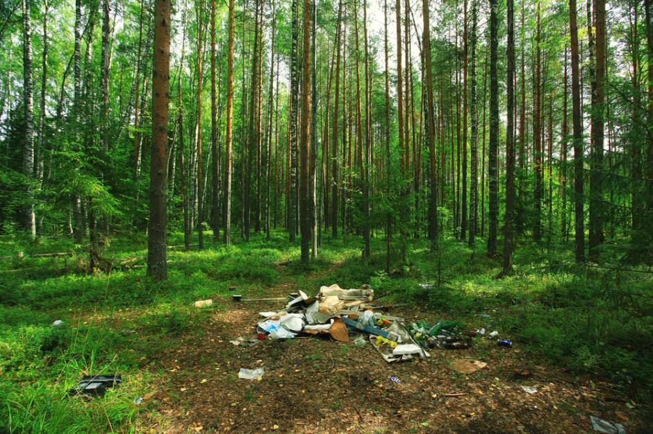 Tajlandia: Park narodowy odsyła turystom pozostawione przez nich śmieci
