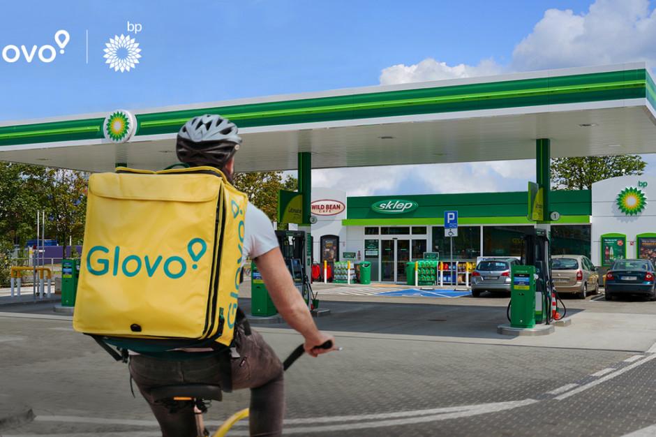 Sieć stacji paliw bp nawiązała współpracę z Glovo