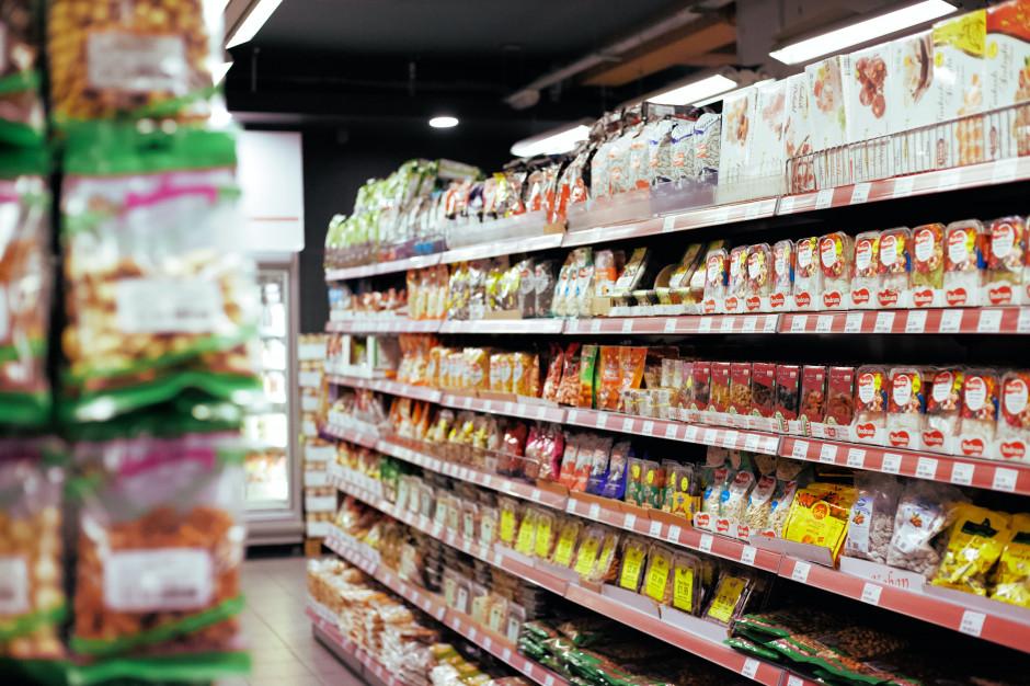 Sprzedaż detaliczna supermarketów spadła o 2 proc. rdr przez pół roku