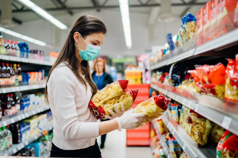 Polacy w czasie pandemii wybiorą zakupy głównie w dyskontach i supermarketach (badanie)