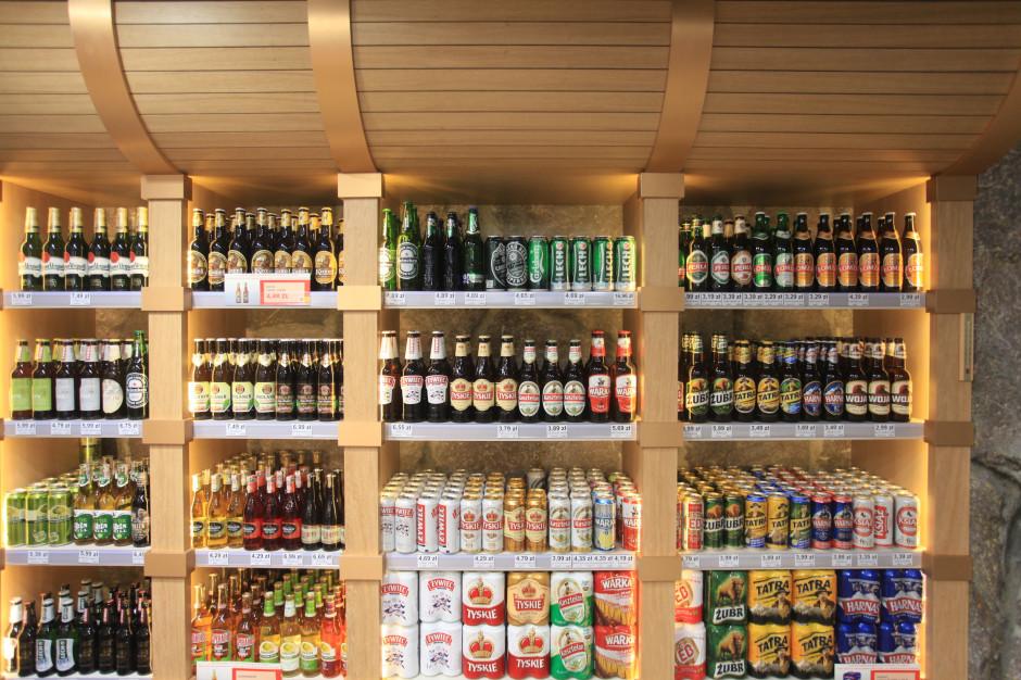 Sklepy z alkoholem czynne tylko do godz. 19? Rząd rozważa nowe pomysły
