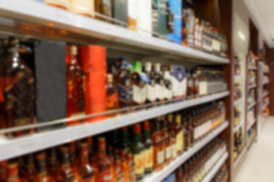 Horała: nie ma decyzji ws. zakazu sprzedaży alkoholu po godz. 19