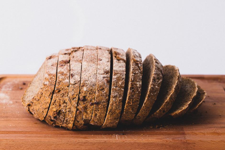KOWR: Polacy jedzą coraz mniej chleba