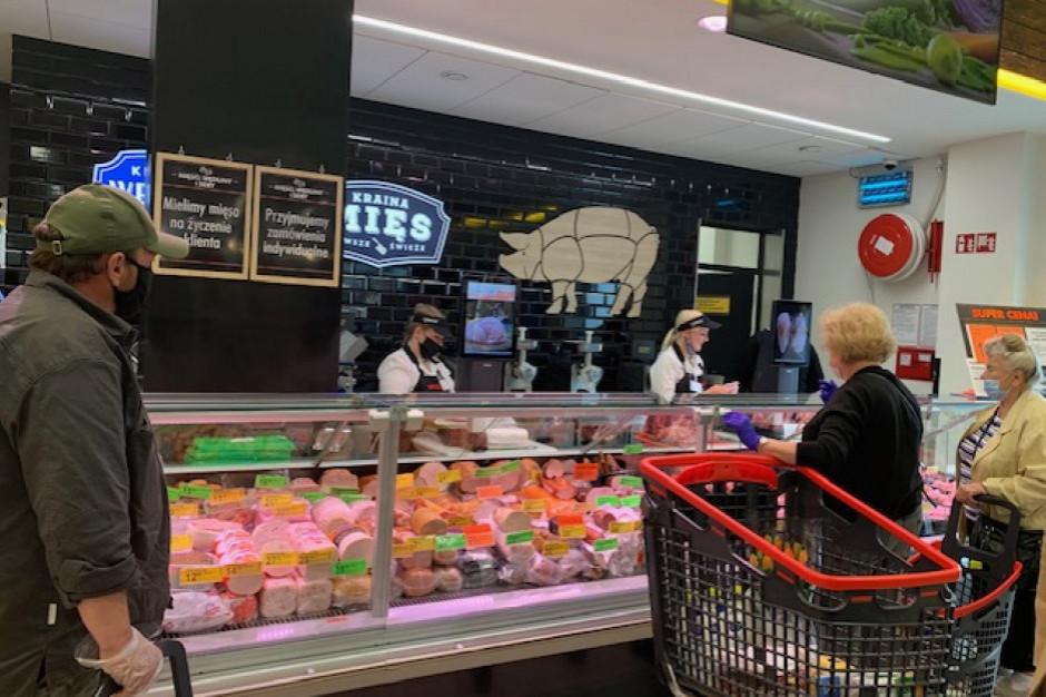Część sieci spożywczych zmieniła czas pracy swoich sklepów