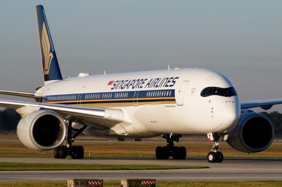 Linie Singapore Airlines serwują posiłki na pokładach uziemionych samolotów