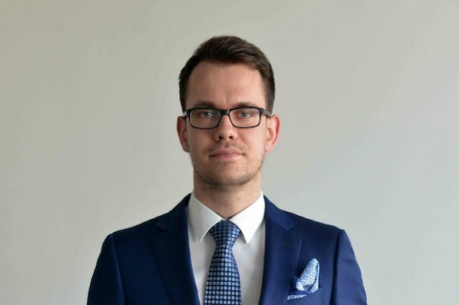 Jakub Olipra, ekonomista Credit Agricole weźmie udział w Internetowym Forum Rynku Spożywczego i Handlu