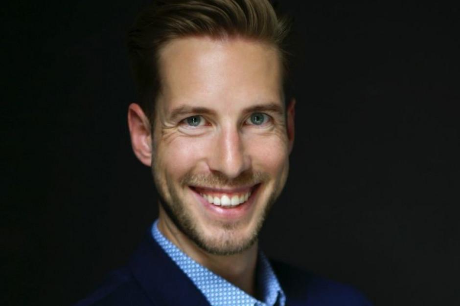 Oskar Lis, prezes Natura Cold Press na Internetowym Forum Rynku Spożywczego i Handlu