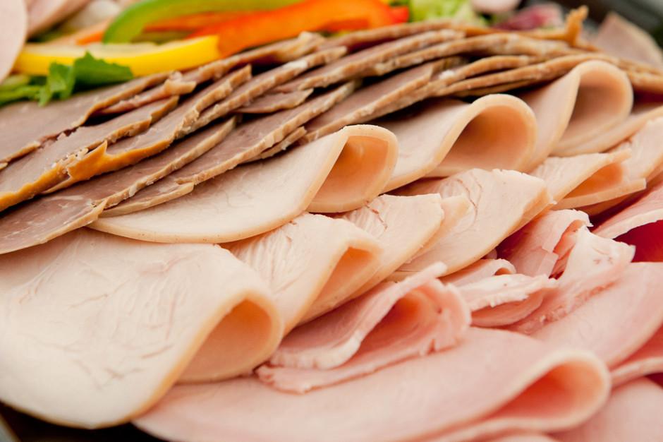 IERiGŻ: Rośnie udział wędlin drobiowych w spożyciu przetworów mięsnych