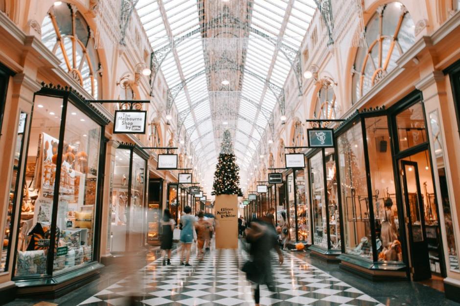 Centra handlowe upadną bez świąt