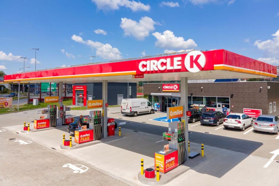 Sieć stacji Circle K wprowadza mobilne płatności za paliwo i myjnie