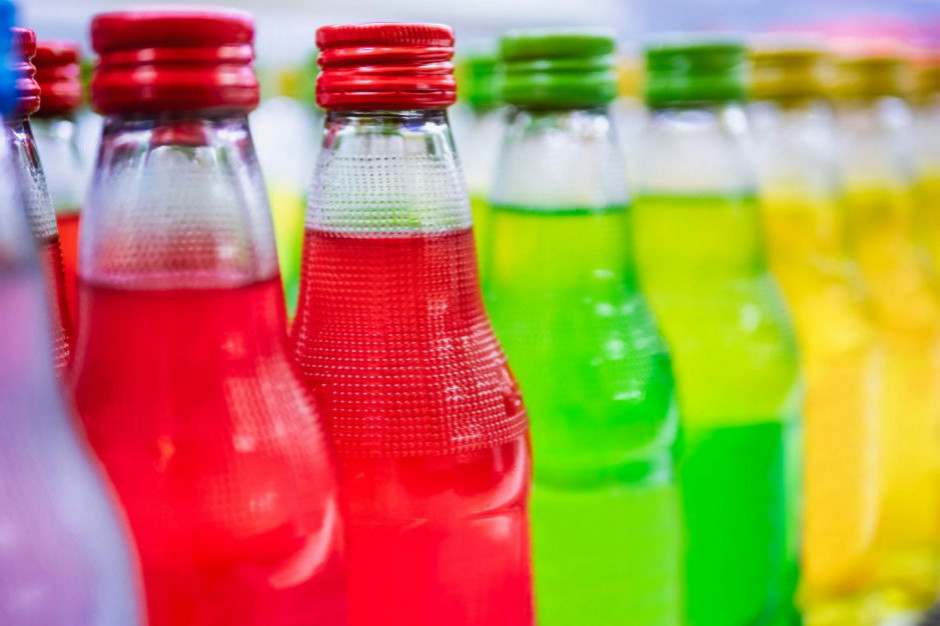 60% Polaków negatywnie o podatku cukrowym; 46% wie, że obejmie on także alkohole