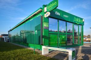 Zdjęcie numer 3 - galeria: Żabka otworzyła sklep zasilany w stu procentach zieloną energią (galeria zdjęć i wideo)