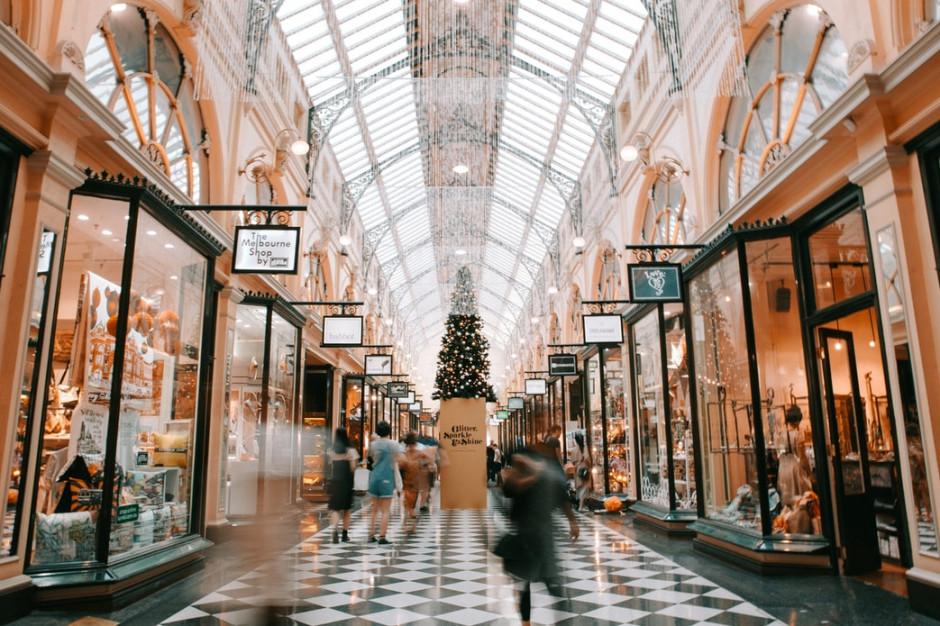 Jak zaplanować bezpieczne zakupy świąteczne? (poradnik)