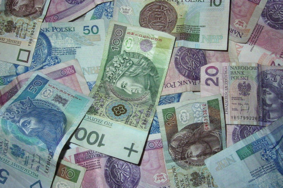 GUS: Przeciętne wynagrodzenie w gospodarce narodowej wyrównane sezonowo wzrosło w III kw. o 182,9 zł