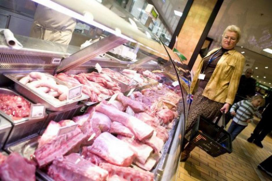 Strategia Od pola do stołu zakłada etykietowania produktów pod kątem dobrostanu zwierząt