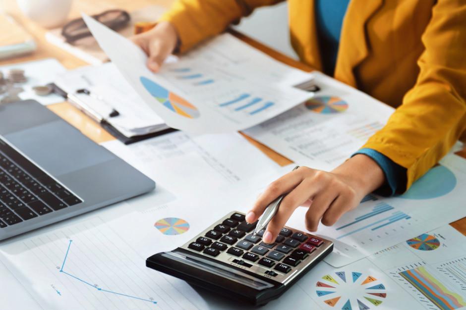 Minister Kościński: podatek handlowy wyrówna szanse między dużymi dyskontami a polskimi sklepami