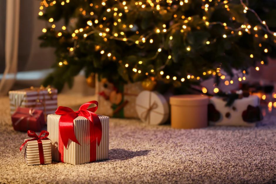 Na tegoroczne święta przeznaczymy średnio 522 zł, na prezenty 507 zł (raport)