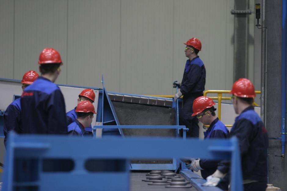 CBOS: 7 na 10 pracujących Polaków na poczucie pewności zatrudnienia