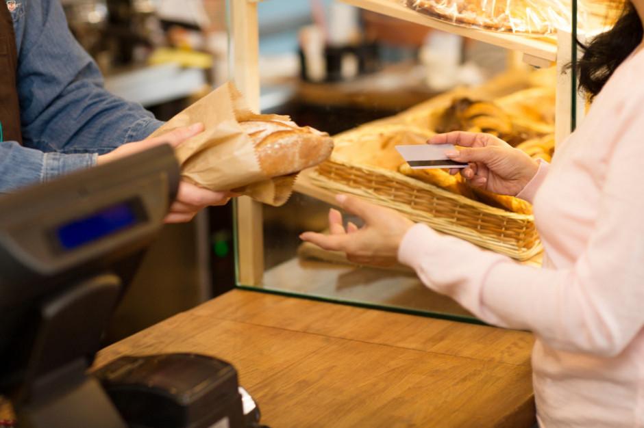 W grudniu 2020 r. wartość sprzedaży w sklepach małoformatowych była o 2,5 proc. niższa rdr (analiza)