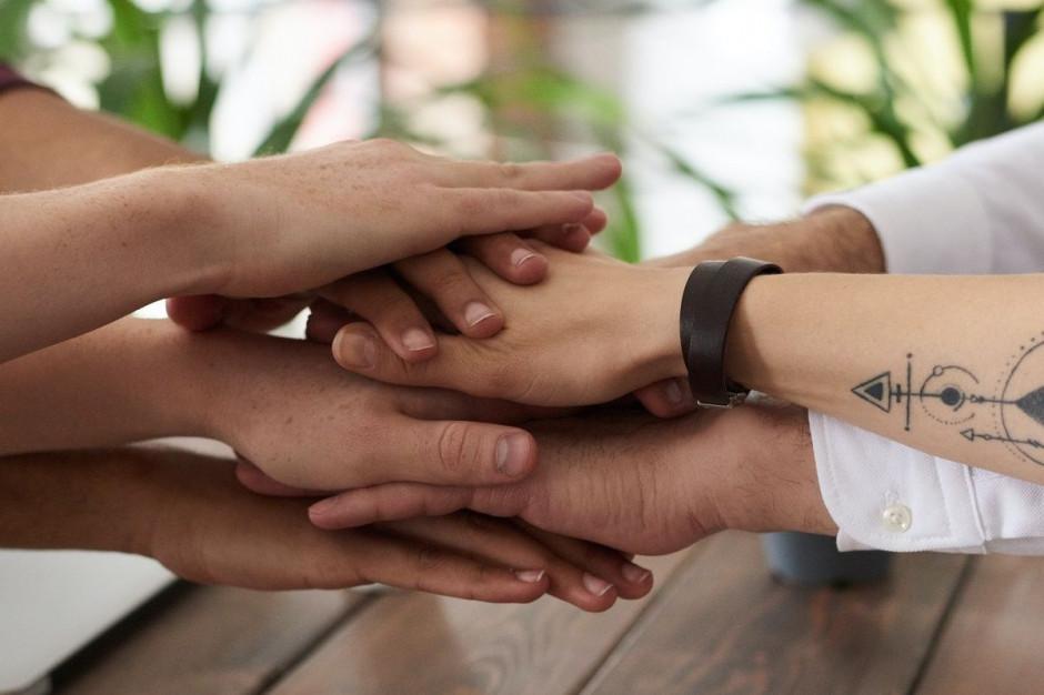 Unilever z cyklem działań wspierających wykonawców, dostawców i pracowników