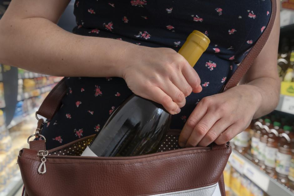 Policjantka próbowała ukraść alkohol w Biedronce