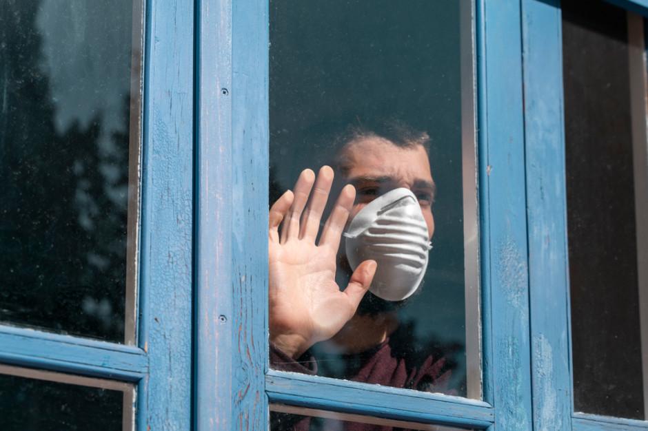 Wirusolog: Mimo szczepień pandemia potrwa co najmniej do 2022 roku