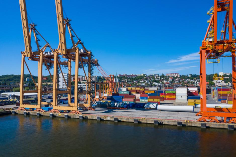W polskich portach przeładowano blisko 104 mln ton towarów
