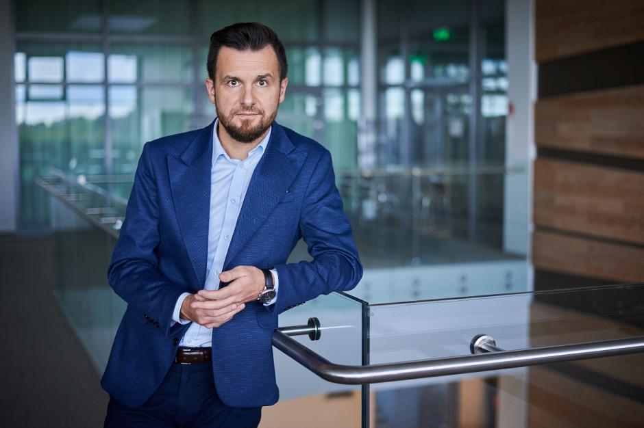 Pracownicy z Ukrainy czują się w Polsce bezpiecznie, ale boją się utraty pracy