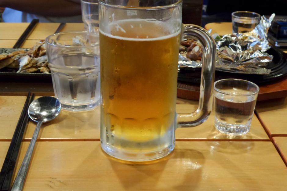 MF: Nie ma prac dot. zrównania stawki akcyzy piwa i wódki