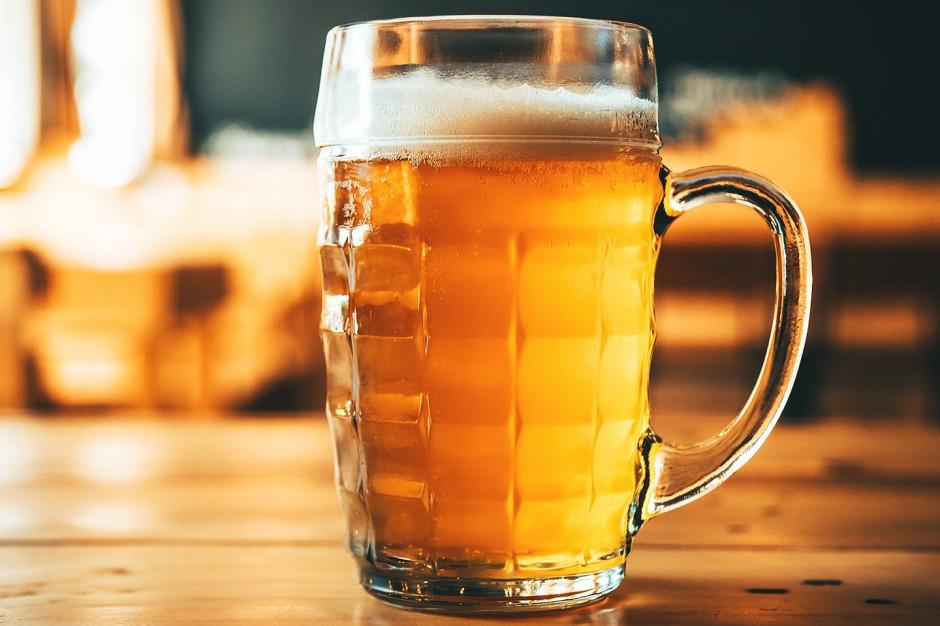 W pandemii Polacy piją mniej piwa, ale bezalkoholowego wypili za 1 mld zł