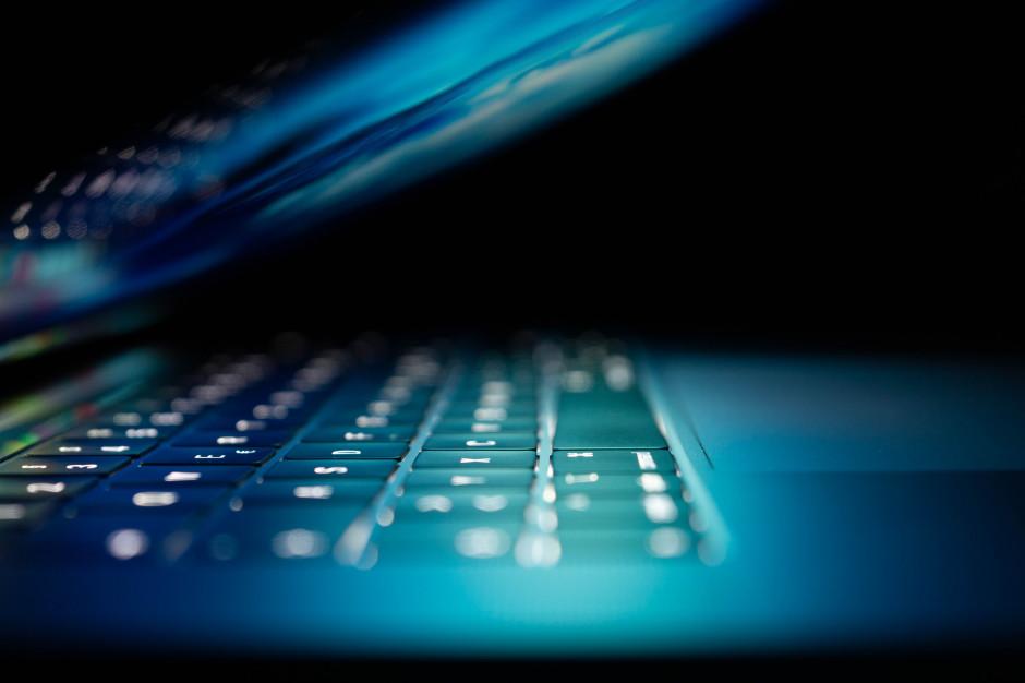 EY: pandemia przyspieszyła rozwój cyfrowych kanałów sprzedaży