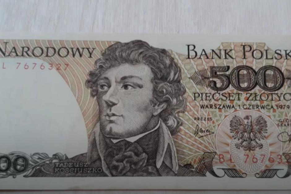 Próbował zapłacić starym banknotem. Grozi mu 10 lat więzienia