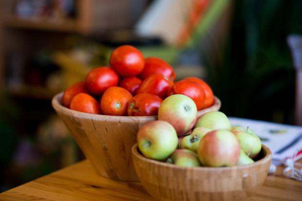 Rosja zezwoliła na import jabłek i pomidorów z Azerbejdżanu