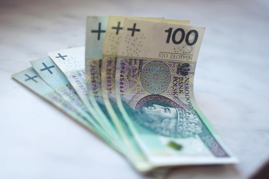 MinFin: 1,5 mld zł rocznie to minimum z podatku handlowego