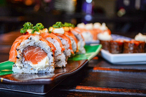 Ponad 200 osób zmieniło imię na Łosoś, by zjeść za darmo sushi
