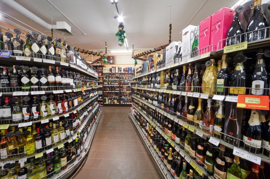 Długi firm handlujących alkoholami spadły o 10,5 mld zł