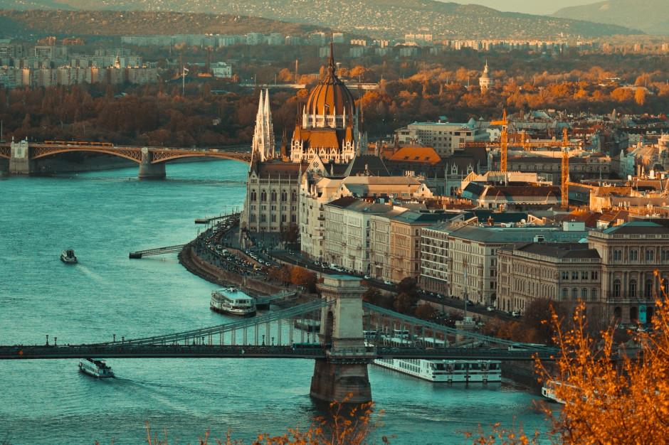 Węgry otworzą restauracje na świeżym powietrzu?