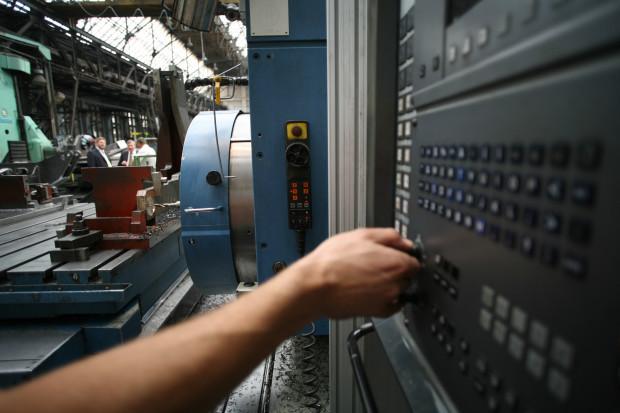 Miliony ludzi stracą pracę przez automatyzację?