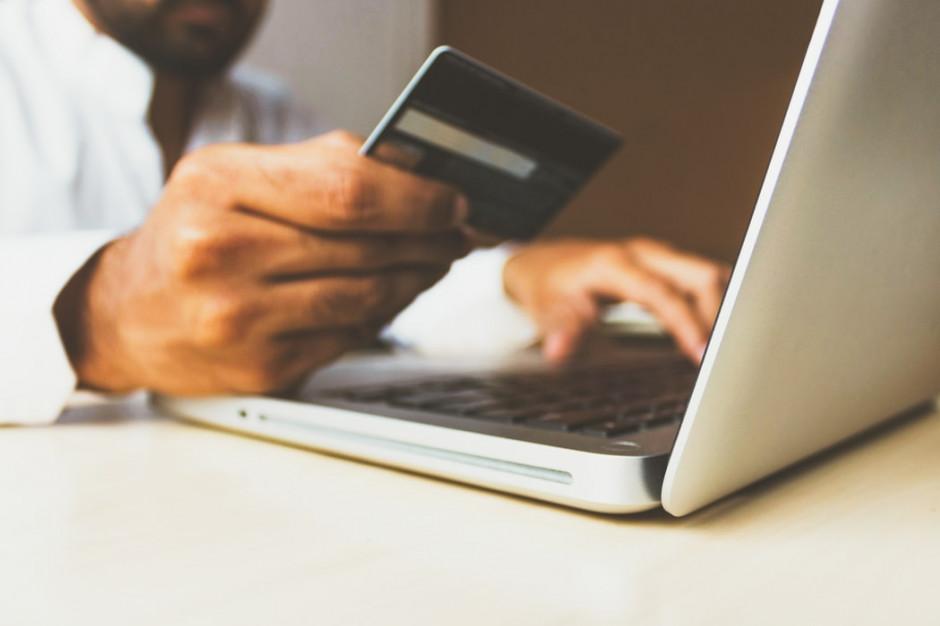 PIE: sprzedaż on-line przewyższa sprzedaż detaliczną