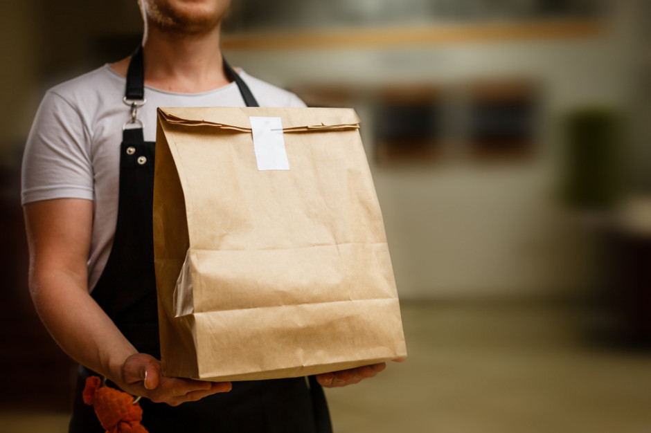 Sprzedaż posiłków na wynos jest dostawą towarów