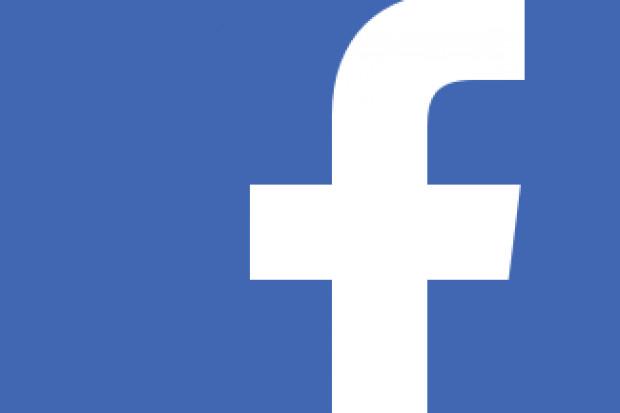 Facebook udostępnia nieletnim reklamy papierosów i alkoholu