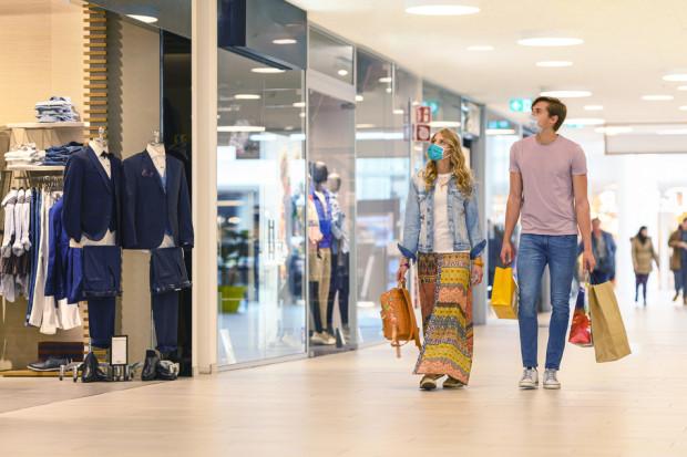 Wszystkie sklepy w centrach handlowych są otwarte