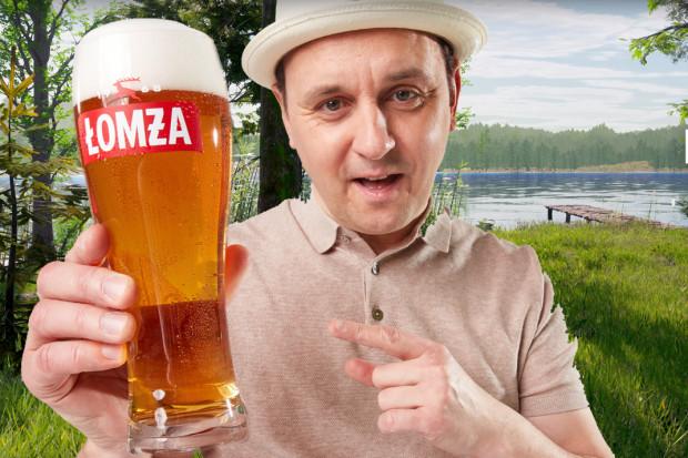 Adam Woronowicz w nowej kampanii reklamowej piwa Łomża