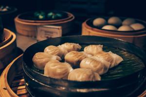 Chiński gigant rynku dowozu jedzenia z kłopotami
