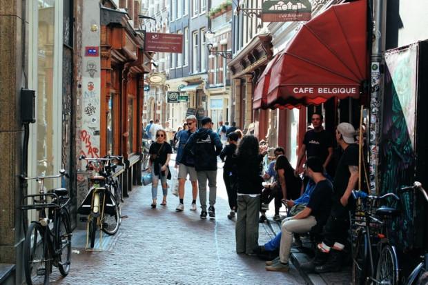 Holandia luzuje kolejne obostrzenia