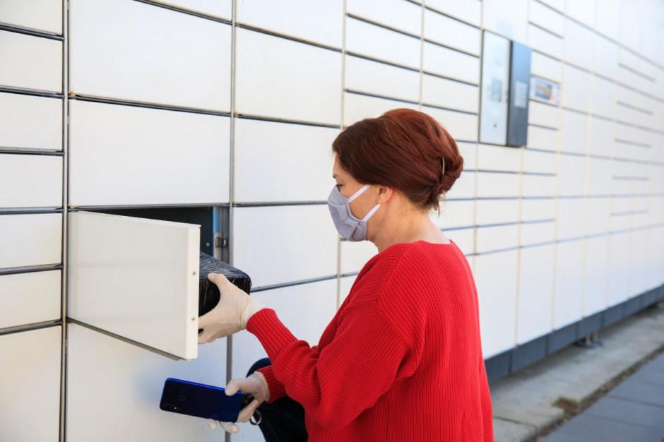 Paczkomaty i automaty do odbioru paczek zalewają Polskę