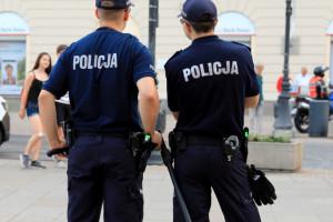 Łódzkie: 60-latka zabrała ze sklepu saszetkę z 18 tys. zł